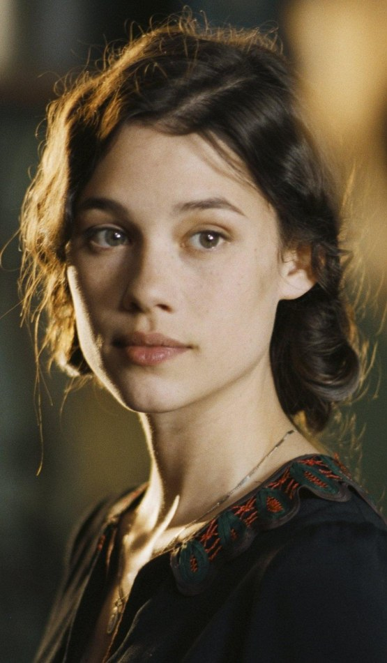 astrid-berges-frisbey-comedienne-actrice-la-fille-du-puisatier-preview-072b030ba126b2f4b2374f342be9ed44-smaller-60.jpg